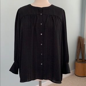 LOFT Button Front Textured Blouse in black size 24